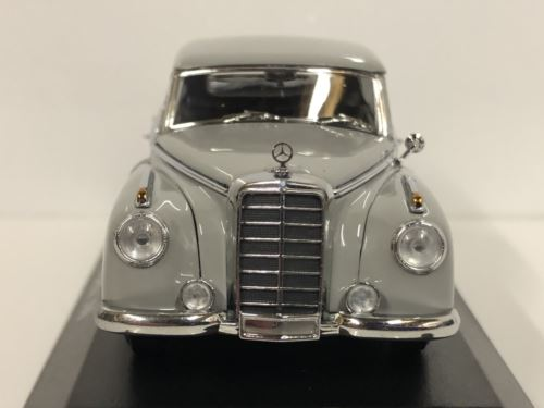 Maxichamps 940039061 1951 Mercedes Benz 300 Grey 1:43 Scale