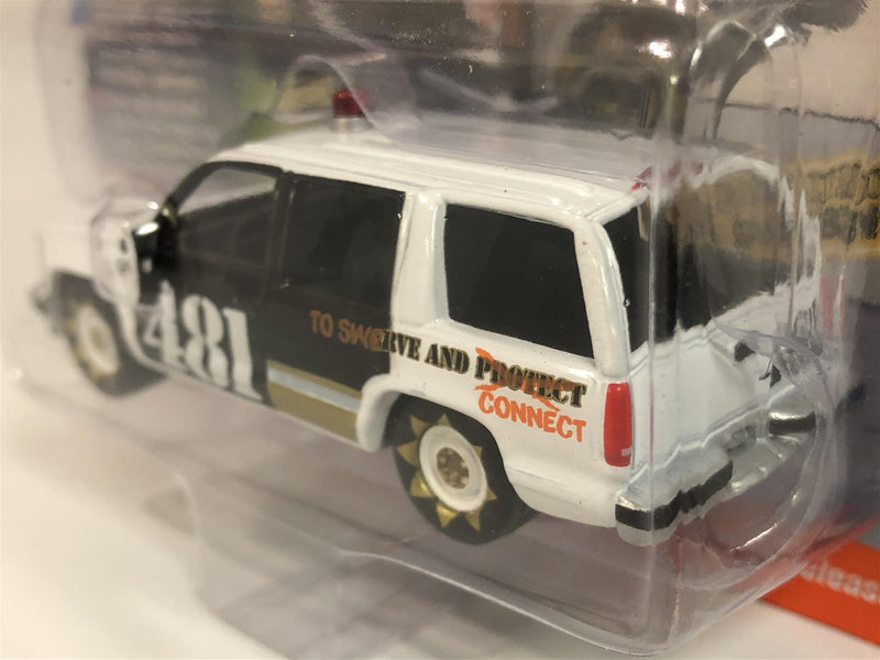 1997 Chevy Tahoe Demolition Derby White Black 1:64 Johnny Lighting JLSF015B