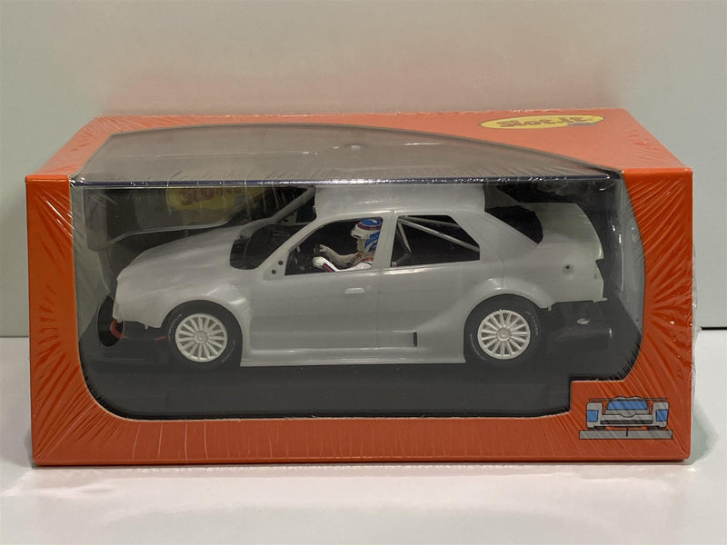 Slot It CA40Z Alfa Romeo 155 V6 95 White Kit Pre-Assembled and Painted Parts