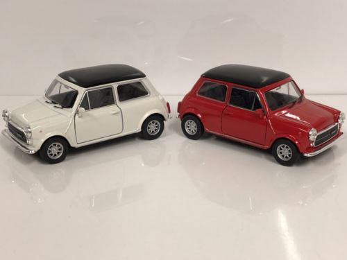 Mini Cooper 1300 Cream and Red 1:32 Scale Pull Back Go Welly 49720
