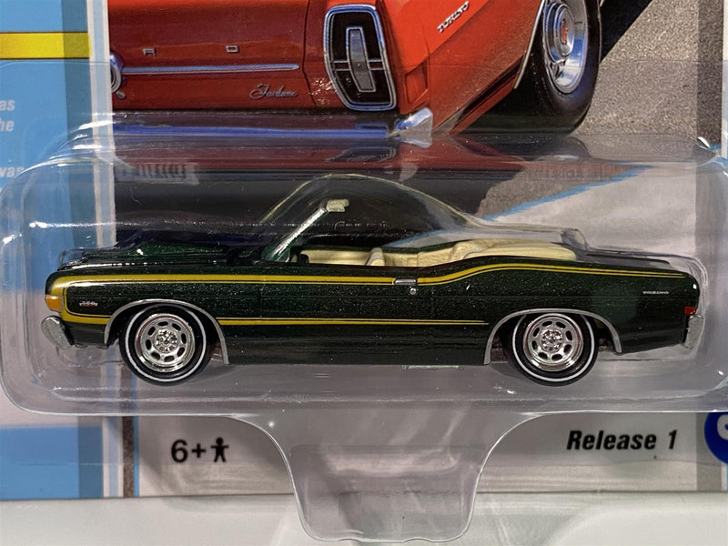 1968 Ford Fairlane Torino GT Convertible Green Poly 1:64 Johnny Lightning JLCG021B