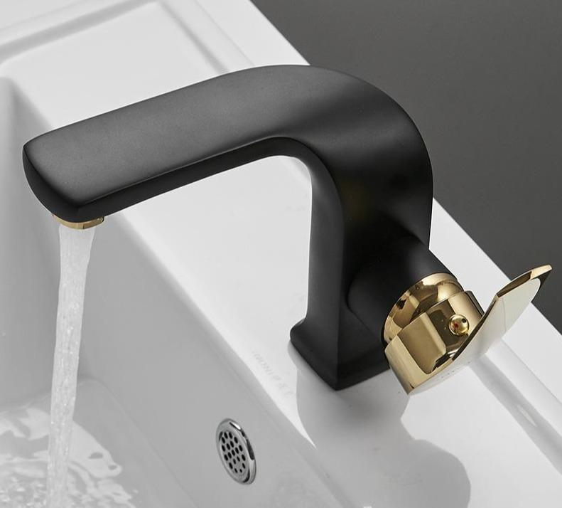 Specter - Curved Lux Bathroom Faucet