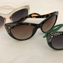 Load image into Gallery viewer, Blingy Cat Eye Sunglasses