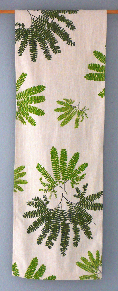 Maidenhair Ferns ~ Table Runner