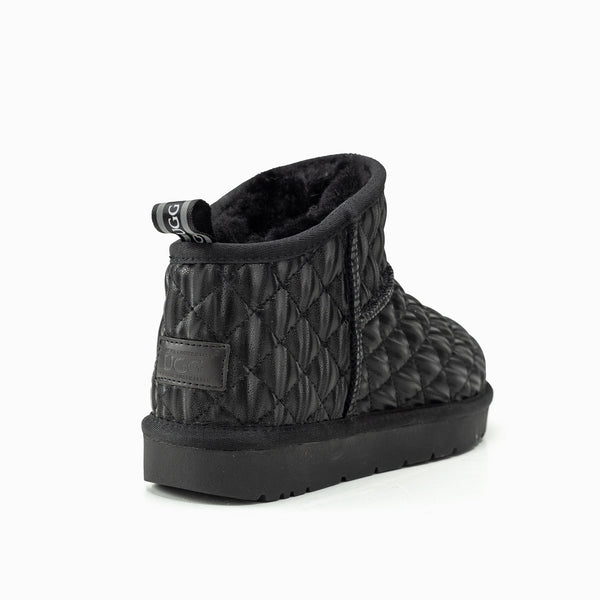 UGG FINLEY QUILTED MINI BOOTS