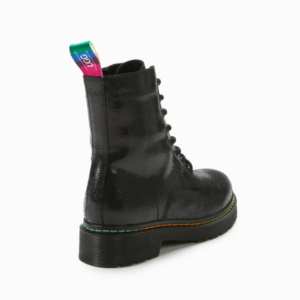 UGG ASPEN IRIDESCENT CRACKLE BOOTS