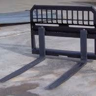 Skid Steer Attachments | Pallet Forks