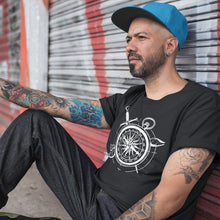 Laden Sie das Bild in den Galerie-Viewer, Kompass Tattoo-Shirt Herren - Prambl