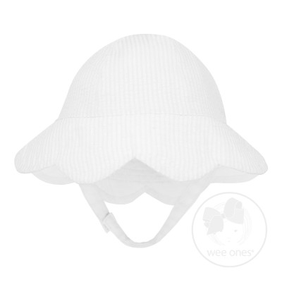 Wee Ones Bows White Seersucker Scallop Reversible Hat