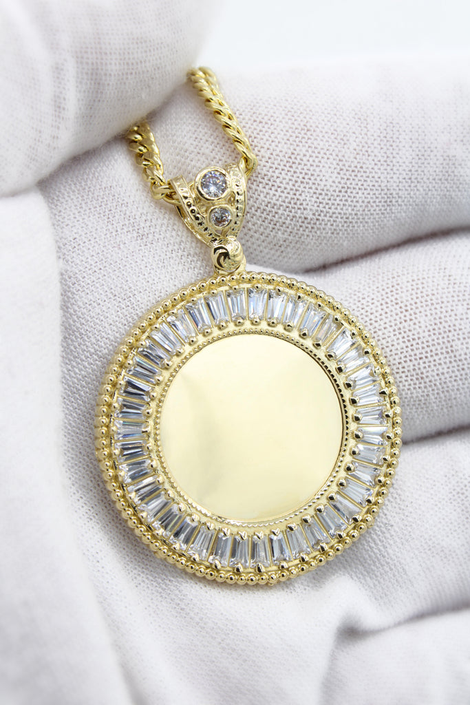 *NEW* 14K Picture Pendant Circle W/ Cuban Link Chain Included  JTJ™ - Javierthejewelernyc