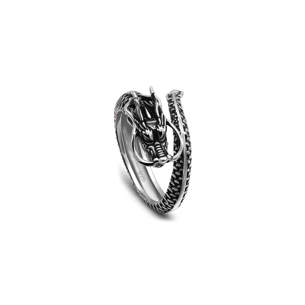 Dragon ring in Silver