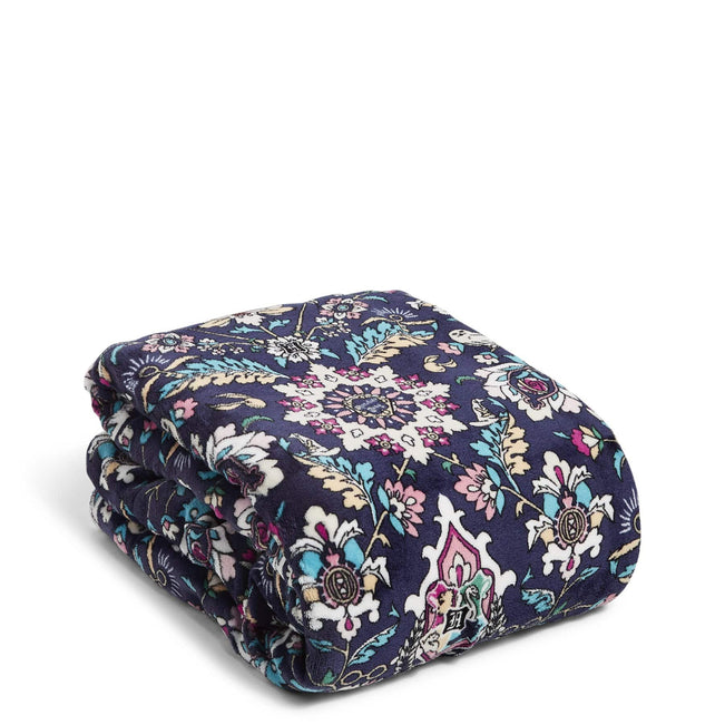 Harry Potter™ Cozy Life Throw Blanket-Home to Hogwarts™-Image 1-Vera Bradley