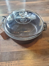 Load image into Gallery viewer, Wagner Ware dutch oven