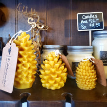 Load image into Gallery viewer, Beeswax Pinecone Candle
