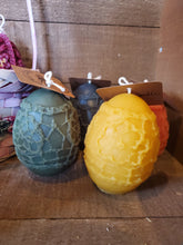 Load image into Gallery viewer, Easter egg beeswax candle