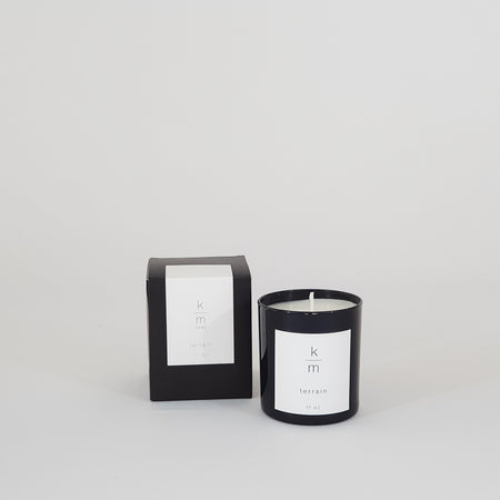 KM Home Candle, Terrain