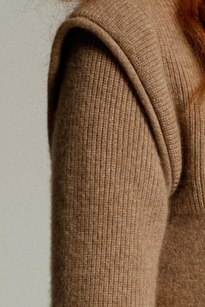 Cashmere High Neck in Fawn