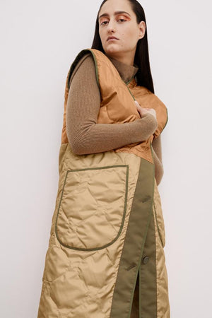The Reversible Colourblock Quilted Vest in Burnt Orange