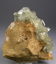 Load image into Gallery viewer, Barite from Cerro Warihuayn, Huanuco Dept., Peru