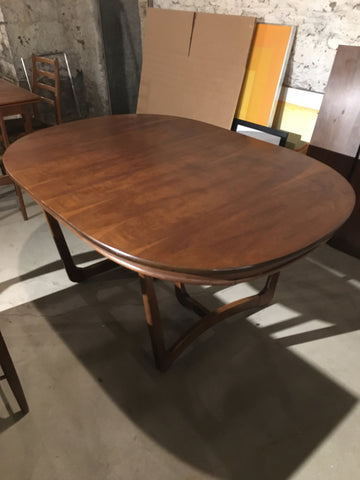 Mid Century American Walnut Oval Dining Table