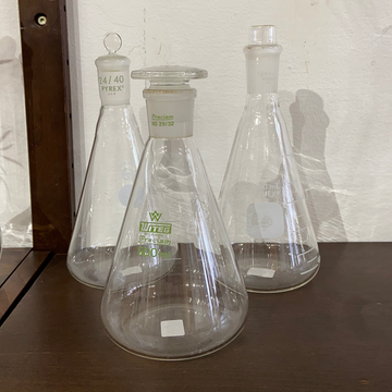 Erlenmeyer Flask with Stopper