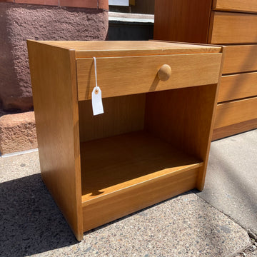Single Drawer Oak Nightstand