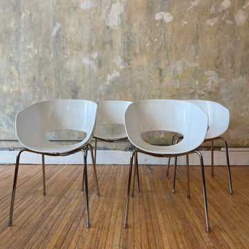 Set of 4 White Orbit Chairs
