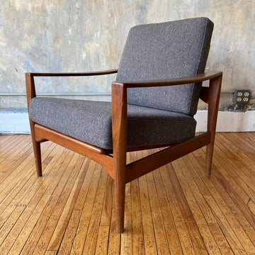 Illum Wikkelsø EK Teak Lounge Chair