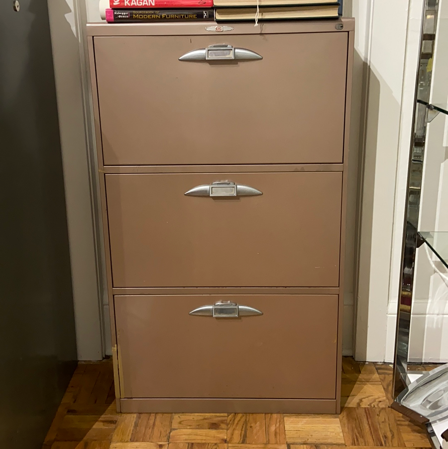 Yawman & Erbe MFG Co. Filing Cabinet
