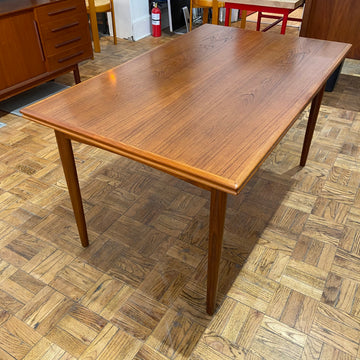 Scandinavian Draw Leaf Dining Table