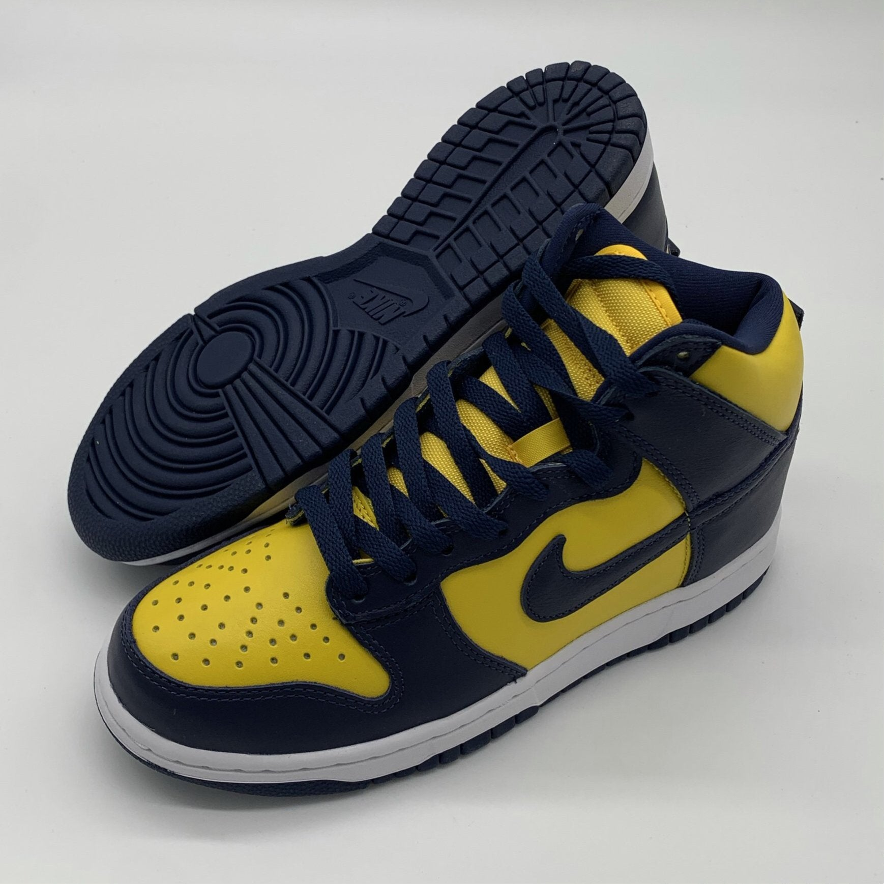 Dunk High 'Michigan' Size 6 DS