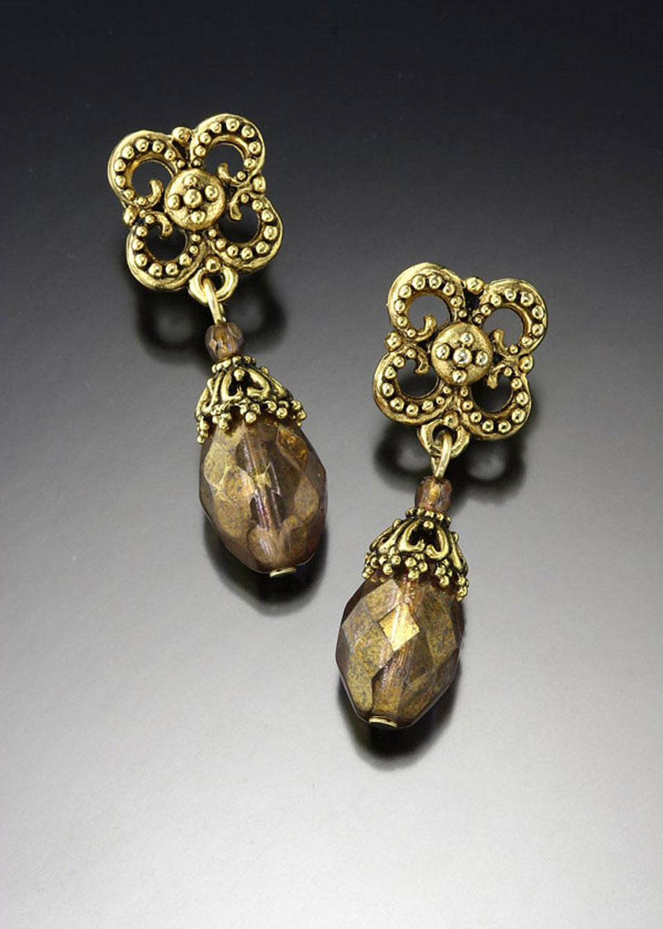Golden Glass Flower Top Earring
