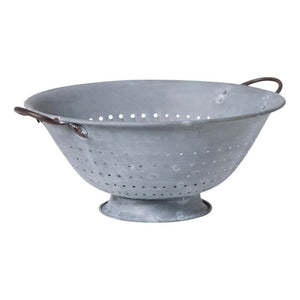 Colander in Weathered Zinc