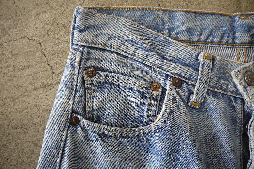 Load image into Gallery viewer, 60's LEVI'S 501 BIG E W 28