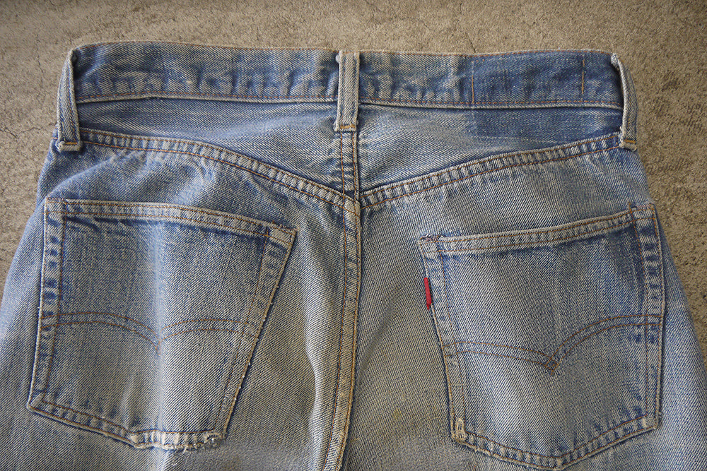 Load image into Gallery viewer, 60's LEVI'S 501 66 BIG E W 29