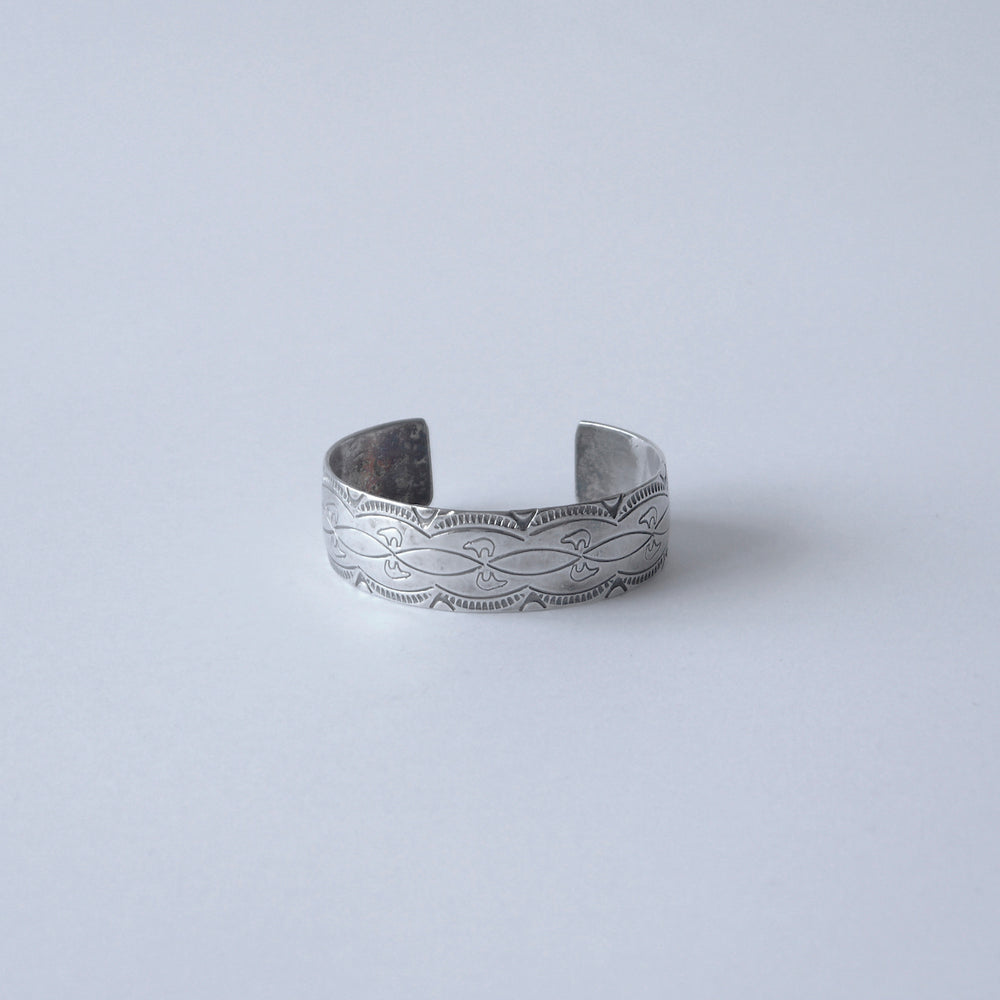 Load image into Gallery viewer, NAVAJO STERLING SILVER BRACELETS