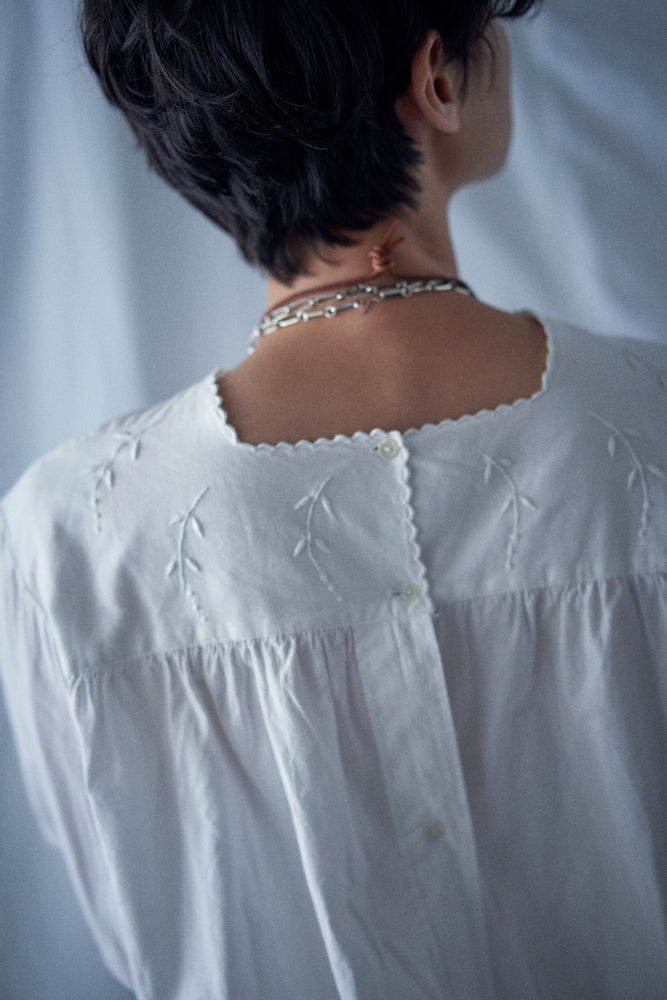 Vintage French 1910s White Cotton Embroidered Blouse