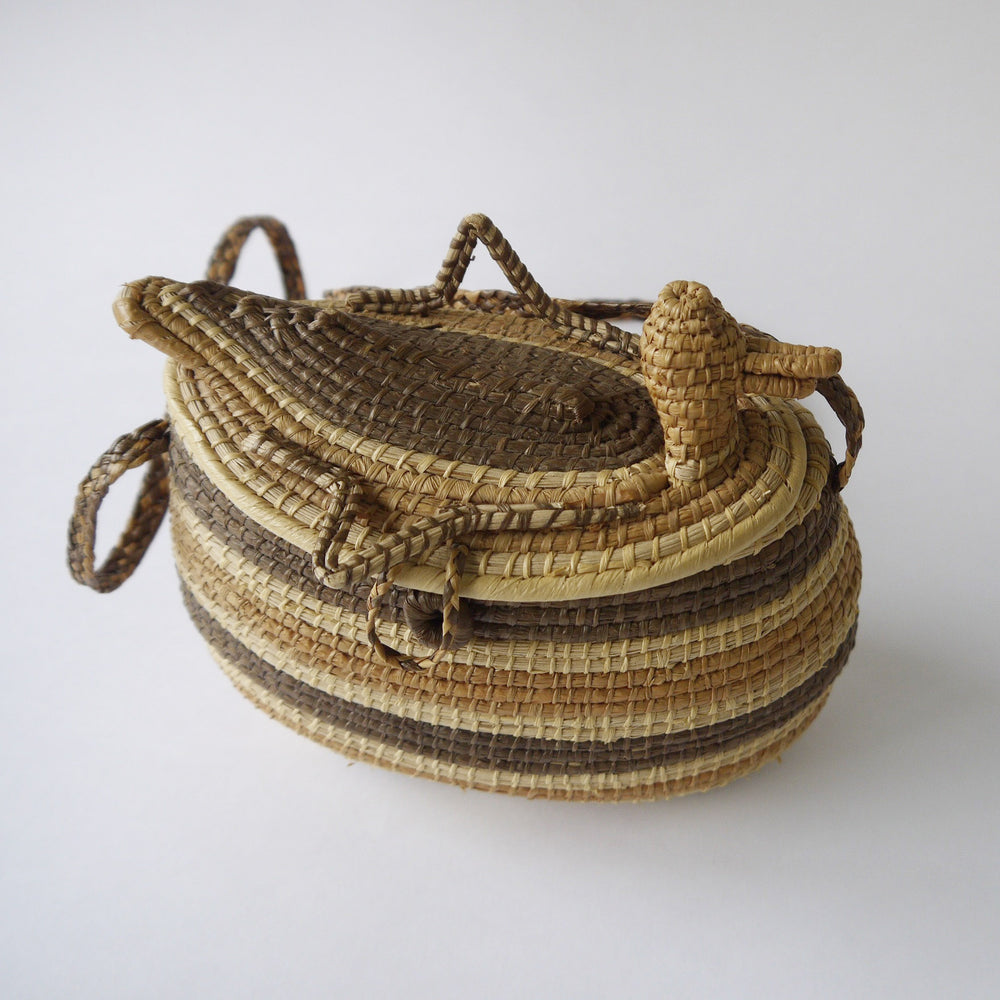 Vintage BIRD PANAMA RAFFIA BASKET PURSE