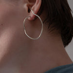 brillpiece body line earring (SILVER)