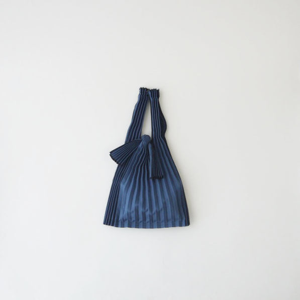 knaplus PLECO TATE-PLEATS mini 鉄紺(navy)