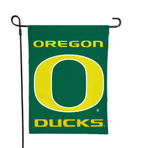Oregon - Ducks Green Garden Flag