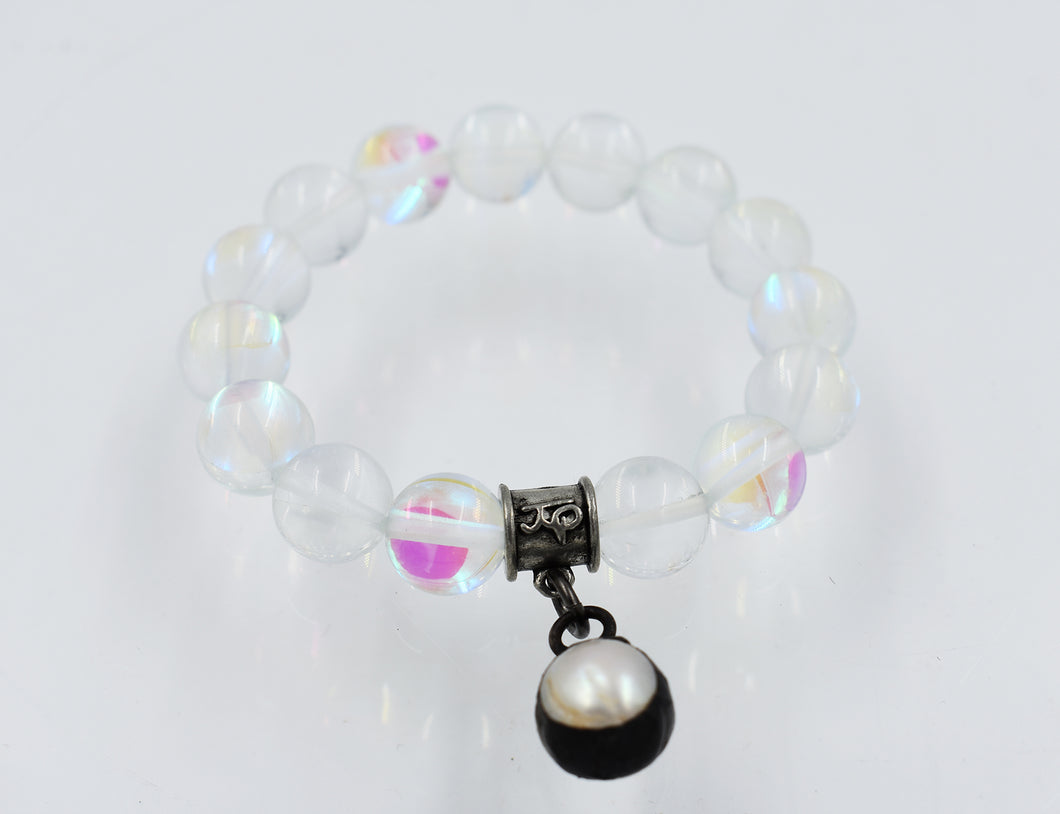 Aura Beaded Bracelet with Pearl Pendant