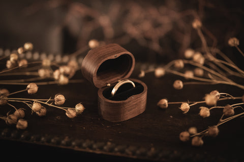 Walnut Oval Ring Box