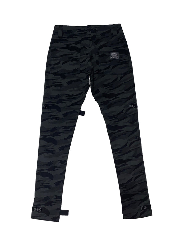 8&9: 8&9 Strapped Up Vintage Utility Pants (Dark Camo)