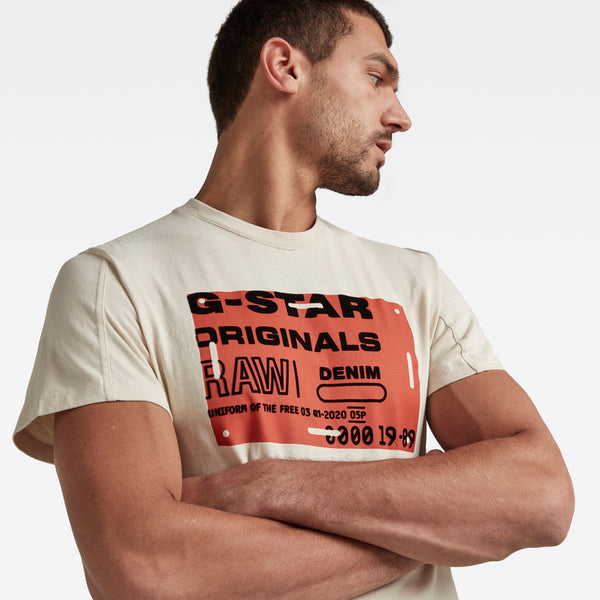 G-STAR RAW: FLOCK BADGE GRAPHIC T-SHIRT (WHITEBAIT)