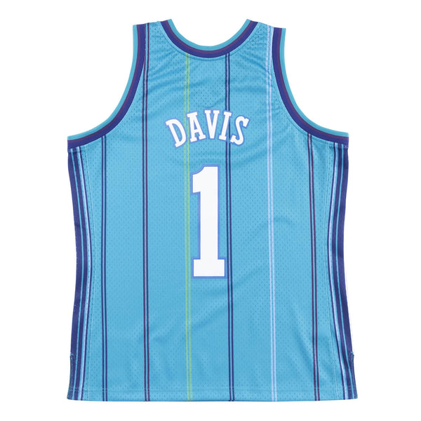 Mitchell & Ness: NBA Swingman Collection Baron Davis Jersey ('99 Hornets - Road)