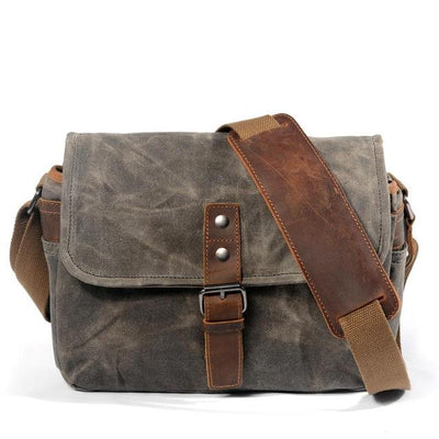 VINTAGE OIL WAX CANVAS LEATHER SHOULDER BAG