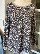 Load image into Gallery viewer, Grace Leopard Print Sweatshirt