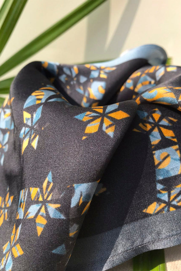 The Greyscale Pocket Square-Yellwithus.com