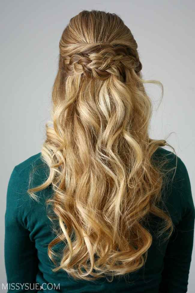 elegant-half-bun-wedding-hairstyle